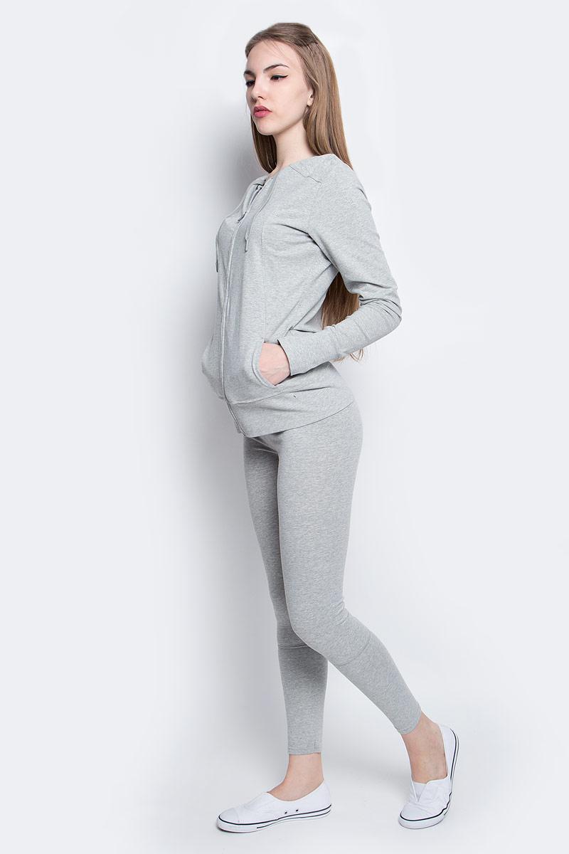 ДжемперQS5547E_020Толстовка Calvin Klein Underwear, выполненная из хлопка и эластана, оформлена принтом с названием бренда. Модель с капюшоном застегивается с помощью молнии и имеет два втачных кармана. Рукава дополнены манжетами с прорезями для пальцев.