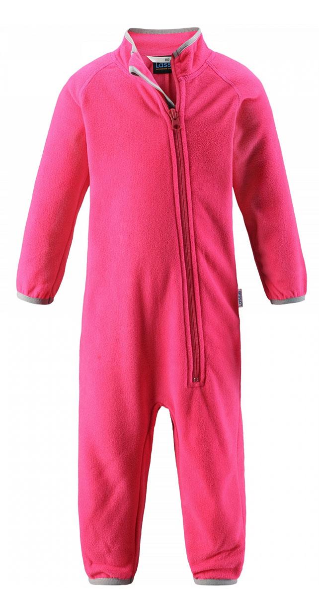 Комбинезон утепленный7167003400Флисовый комбинезон для малышей для прохладной погоды. Можно использовать как верхнюю одежду в сухую погоду весной или поддевать в качестве промежуточного слоя в холода, тогда дышащий материал будет отводить влагу в верхний слой одежды. Высококачественный флис - это очень мягкий, теплый, эластичный, легкий и быстросохнущий материал, он идеально подходит для активных прогулок. Молния во всю длину с защитой для подбородка облегчает одевание. Важно обращать внимание на продуманную отделку: эластичный воротник, манжеты на рукавах и брючинах. Этот комбинезон подарит комфорт даже самой нежной детской коже.
