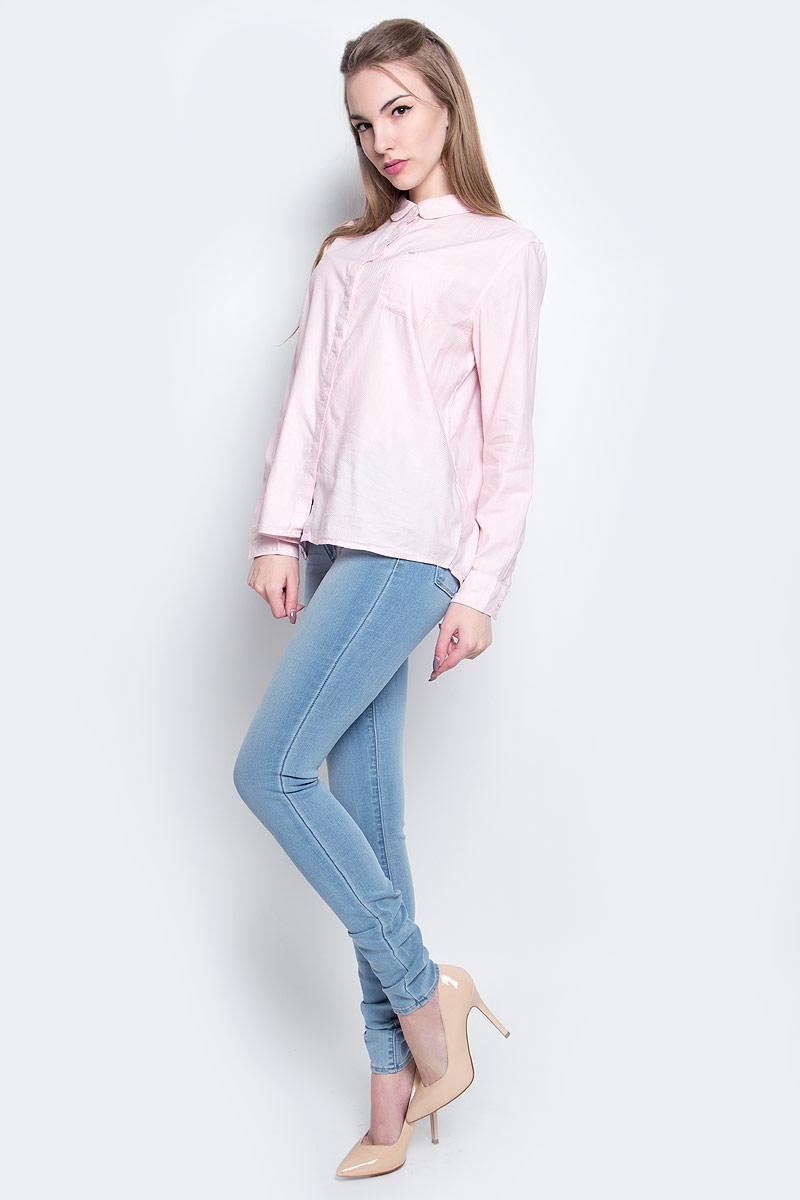 РубашкаL47KRUSDЖенская рубашка Lee выполнена из хлопка с добавлением модала. Рубашка с длинными рукавами и отложным воротником застегивается на пуговицы спереди. Манжеты рукавов также застегиваются на пуговицы. На груди расположен накладной карман.