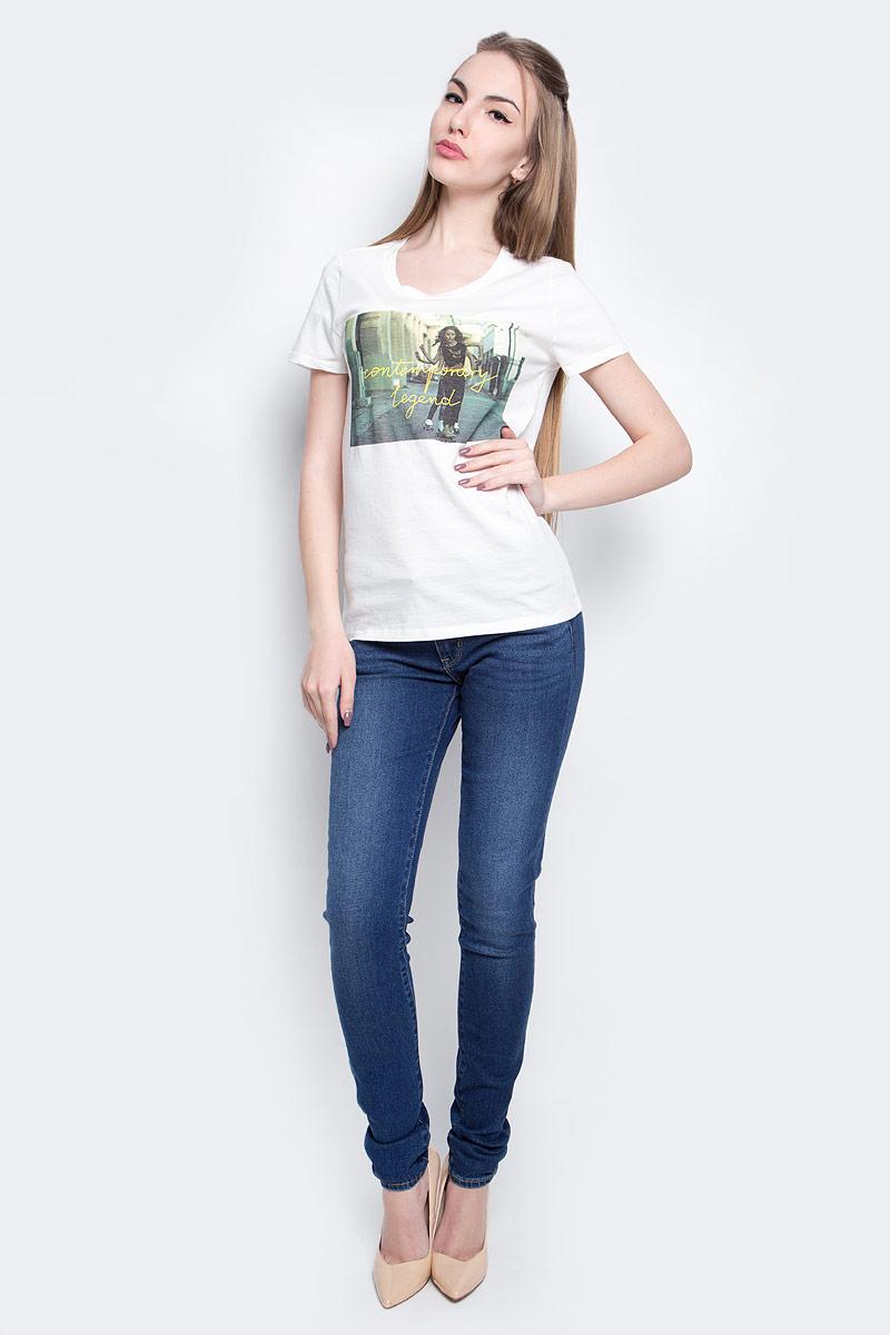 ФутболкаL40GEPRRЖенская футболка Lee Photo изготовлена из натурального хлопка. Модель выполнена с круглой горловиной и короткими рукавами. Спереди футболка декорирована оригинальным принтом.