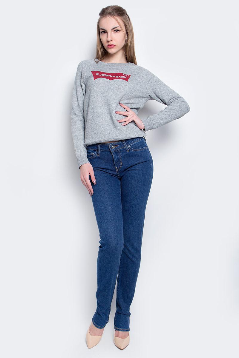 Джинсы1888400770Женские джинсы Levis® 712 выполнены из высококачественного эластичного хлопка с добавлением эластомультиэстера. Джинсы-слим стандартной посадки застегиваются на пуговицу в поясе и ширинку на застежке-молнии, дополнены шлевками для ремня. Джинсы имеют классический пятикарманный крой: спереди модель дополнена двумя втачными карманами и одним маленьким накладным кармашком, а сзади - двумя накладными карманами.