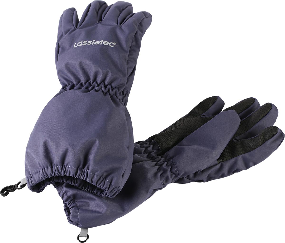 Перчатки детские7277064860Дышащие детские перчатки изготовлены из очень износостойкого и абсолютно водонепроницаемого материала. В них предусмотрена водонепроницаемая мембрана и трикотажная подкладка из полиэстера с начесом. Усиления на ладони, кончиках пальцев и на большом пальце позволяют крепко держать в руках разные сокровища, найденные во время весенних приключений на природе, а еще хорошо согревают ручки. Сверху снабжены светоотражающим элементом.
