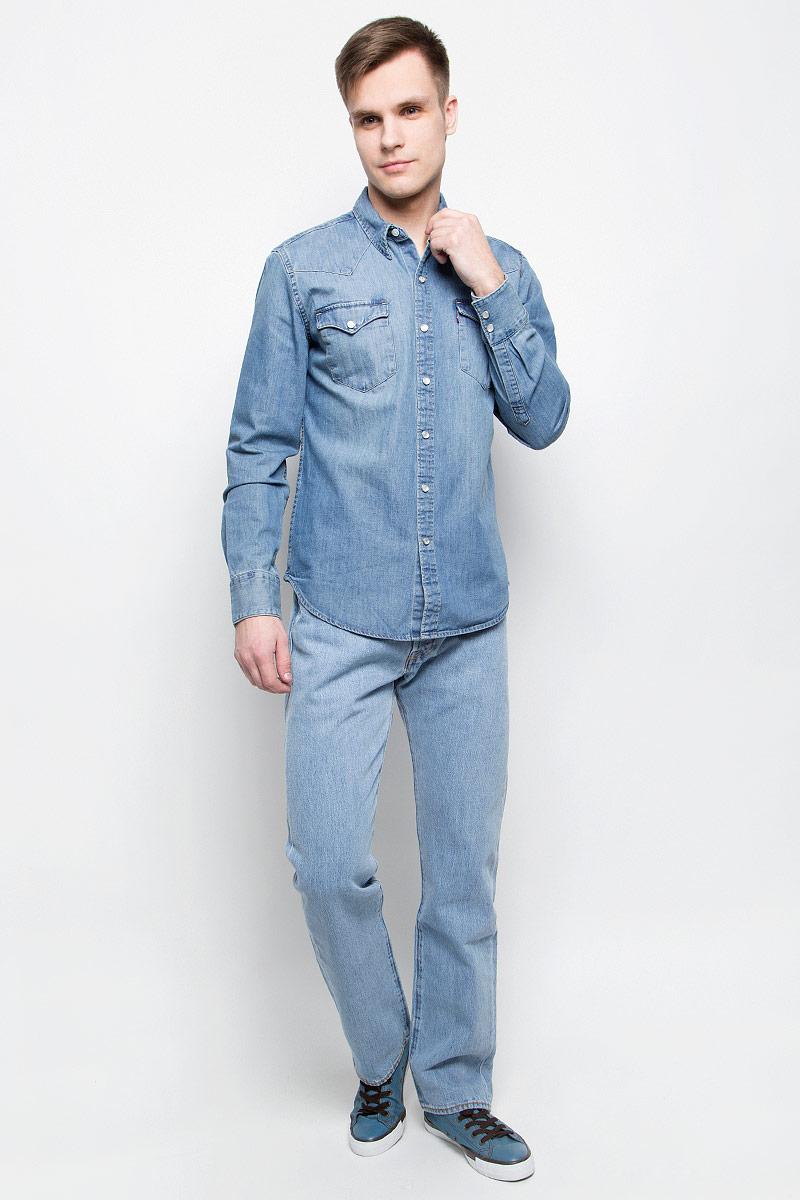 Рубашка6581601150Мужская джинсовая рубашка Levis® выполнена из натурального хлопка. Рубашка с длинными рукавами и отложным воротником застегивается на кнопки спереди. Манжеты рукавов также застегиваются на кнопки. Рубашка украшена контрастной отстрочкой. На груди расположены два накладных кармана с клапанами на кнопках.
