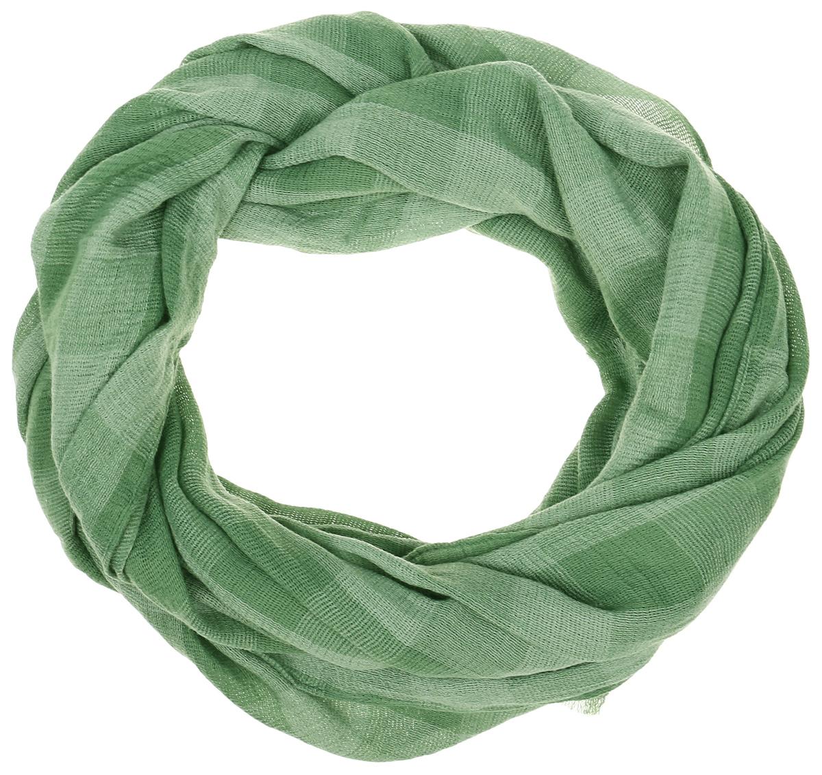 Палантин Vita Pelle, цвет: зеленый. Ro02PT1635/7. Размер 70 см х 180 смRo02PT1635/7Палантин от Vita Pelle изготовлен из вискозы и полиэстера. Модель оформлена принтом в крупную клетку. Края изделия дополнены бахромой.