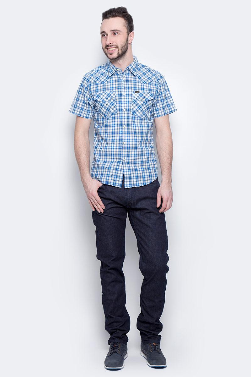 ДжинсыL719JJ36Мужские джинсы Lee Luke выполнены из высококачественного эластичного хлопка. Джинсы-слим стандартной посадки застегиваются на пуговицу в поясе и ширинку на застежке-молнии, дополнены шлевками для ремня. Джинсы имеют классический пятикарманный крой: спереди модель дополнена двумя втачными карманами и одним маленьким накладным кармашком, а сзади - двумя накладными карманами.