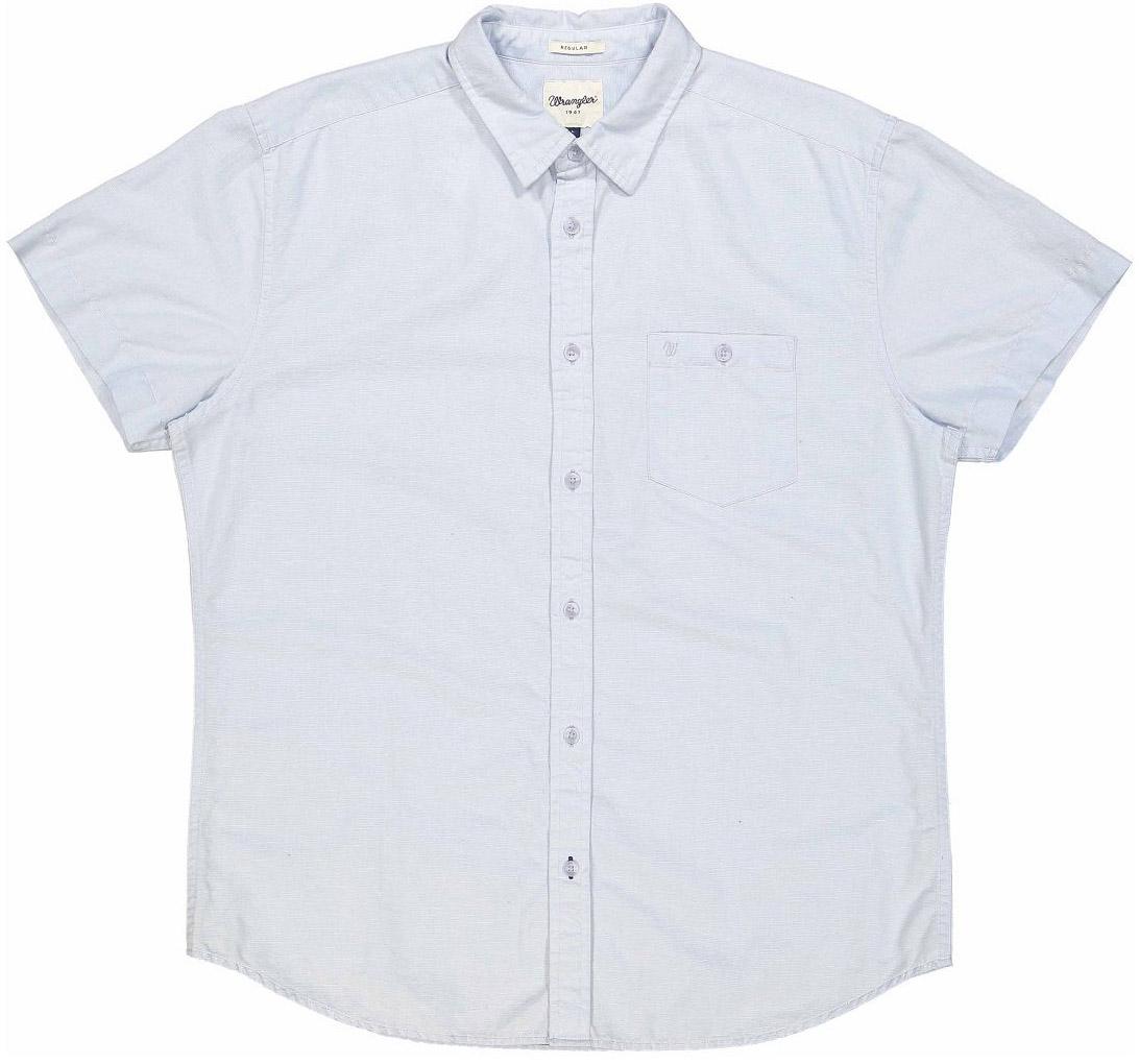 РубашкаW58602UKYОчаровательная мужская рубашка Wrangler, изготовленная из высококачественного материала, необычайно мягкая и приятная на ощупь, не сковывает движения и позволяет коже дышать, не раздражает даже самую нежную и чувствительную кожу, обеспечивая наибольший комфорт. Модная рубашка прямого кроя, с короткими рукавами, с отложным воротником и полукруглым низом застегивается на пуговицы. Модель дополнена на груди накладным карманом на пуговице, украшенным небольшой вышивкой в виде логотипа бренда. Эта рубашка идеальный вариант для повседневного гардероба. Такая модель порадует настоящих ценителей комфорта и практичности!