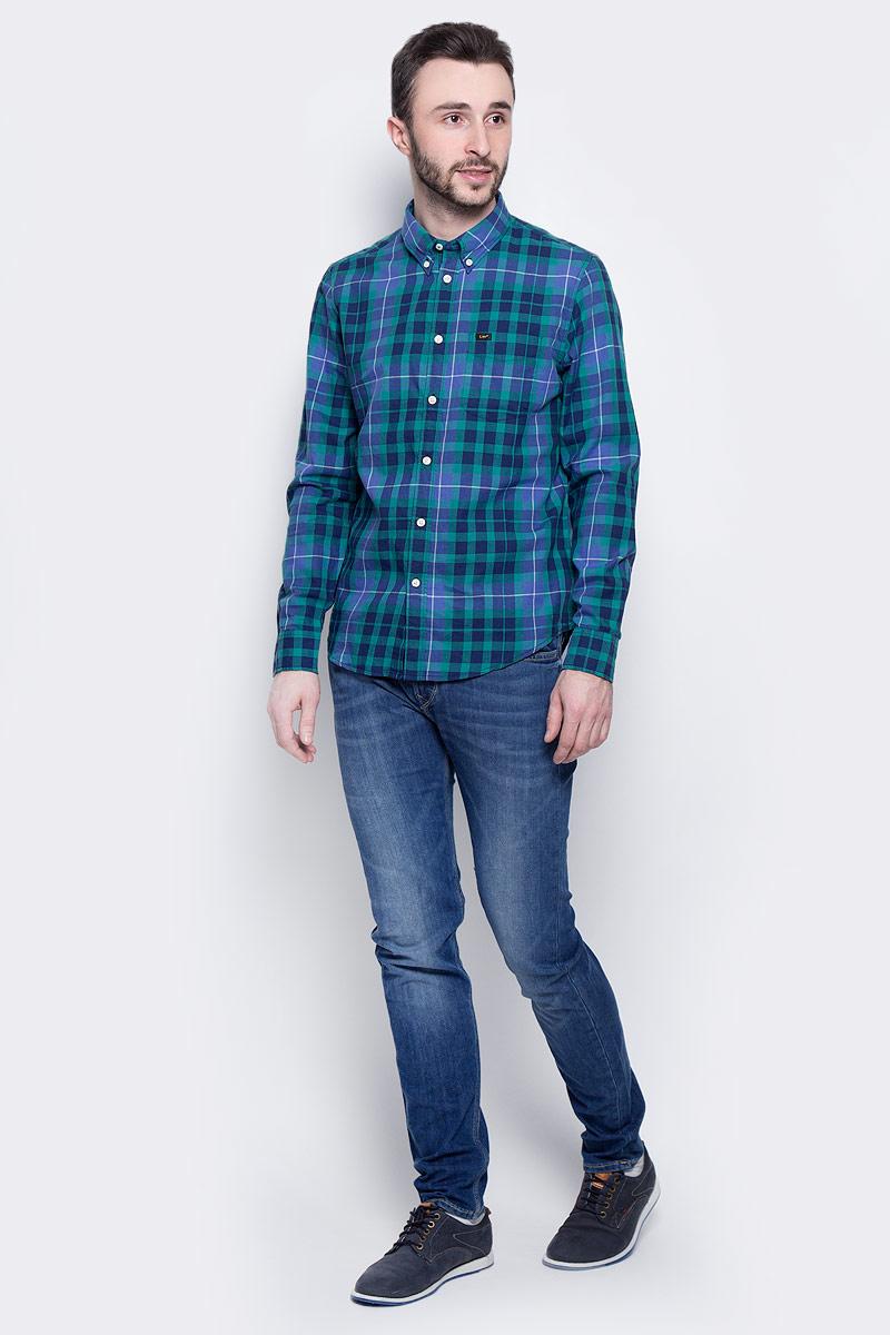 РубашкаL880JPSKМужская рубашка Lee Button Down изготовлена из натурального хлопка. Модель с длинными рукавами имеет на груди один накладной карман. Рубашка застегивается на пуговицы. Воротничок и манжеты рукавов оснащены застежками-пуговицами. Низ модели слегка закруглен.