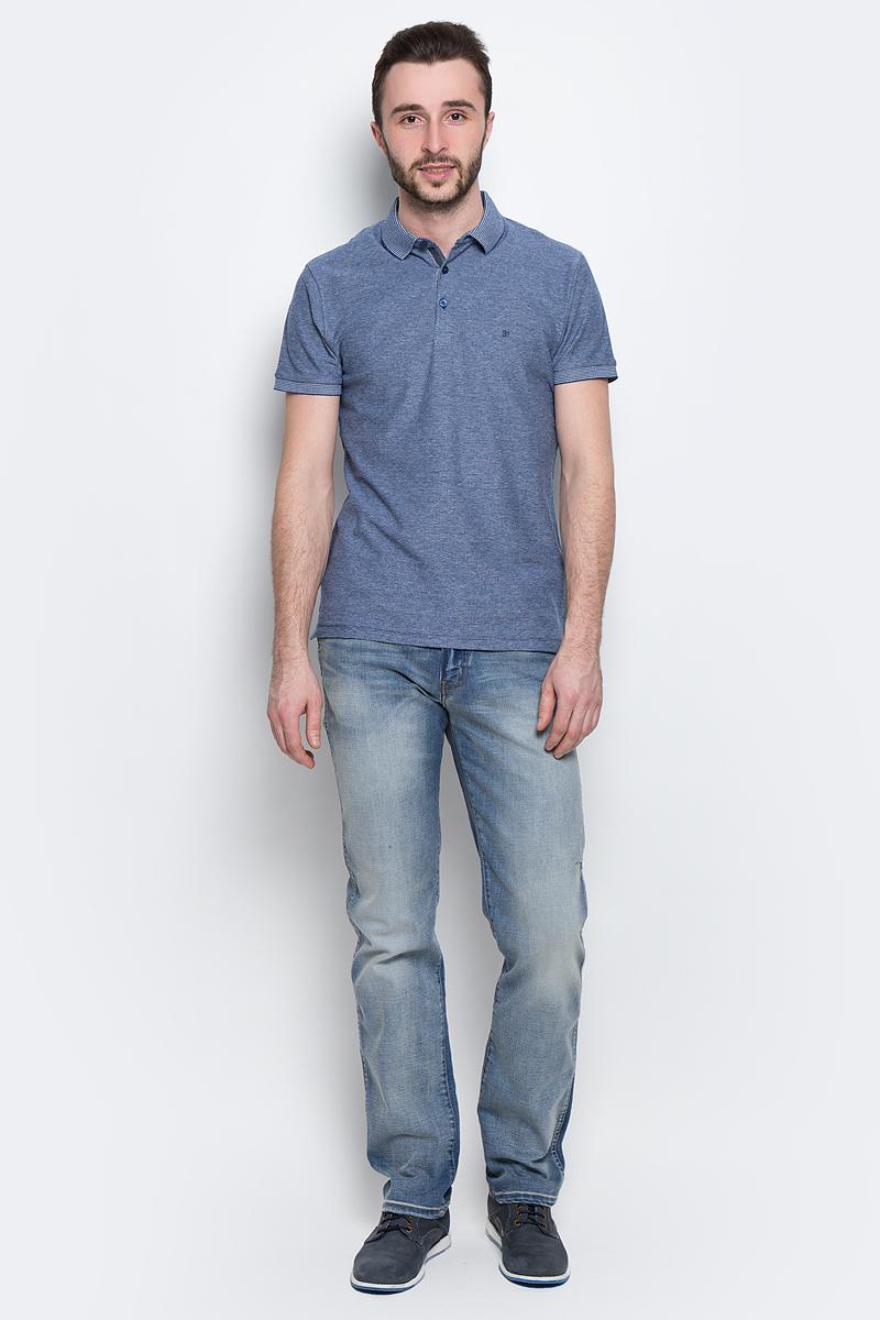 ДжинсыW12OMK88EМужские джинсы Wrangler Arizona выполнены из высококачественного эластичного хлопка. Джинсы прямого кроя и стандартной посадки застегиваются на пуговицу в поясе и ширинку на застежке-молнии, дополнены шлевками для ремня. Джинсы имеют классический пятикарманный крой: спереди модель дополнена двумя втачными карманами и одним маленьким накладным кармашком, а сзади - двумя накладными карманами. Модель украшена декоративными потертостями.