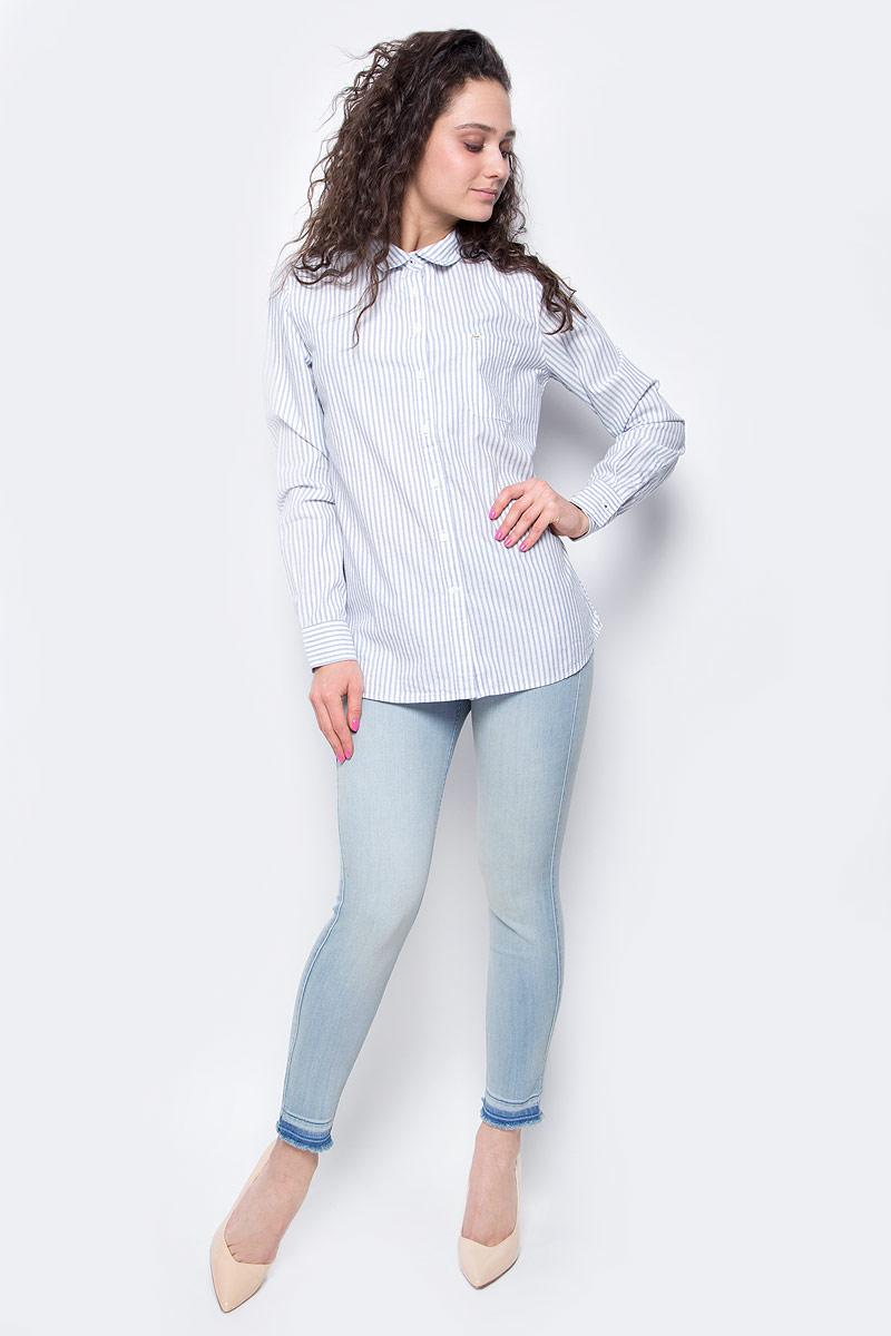 РубашкаL45QSCRRЖенская рубашка Lee выполнена из натурального хлопка. Рубашка с длинными рукавами и отложным воротником застегивается на пуговицы спереди. Манжеты рукавов также застегиваются на пуговицы. Рубашка оформлена принтом в полоску. На груди расположен накладной карман.