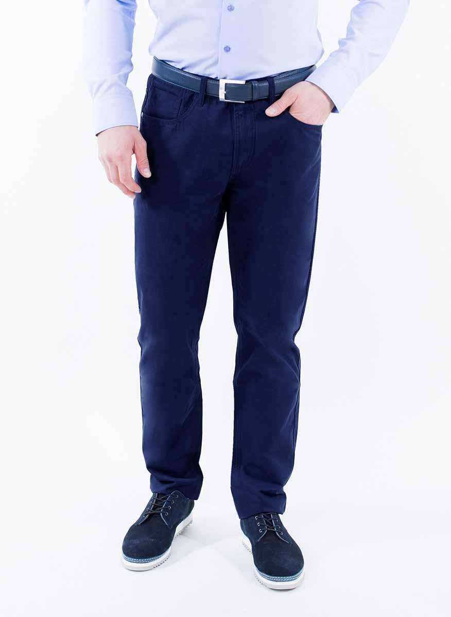 Брюки2-171-20-4105Мужские брюки Greg Horman выполнены из натурального хлопка. Брюки застегиваются на пуговицу в поясе и имеют ширинку на застежке-молнии. На брюках предусмотрены шлевки для ремня. Спереди модель дополнена двумя втачными карманами и маленьким накладным кармашком, а сзади - двумя накладными карманами. Комфортные стильные брюки пригодятся фактически для любых случаев жизни.