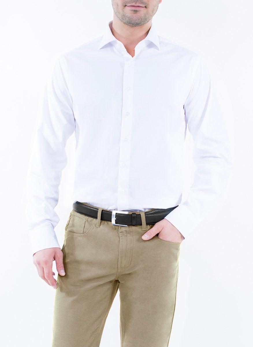 Рубашка2-171-20-1375Мужская рубашка Greg Horman выполнена из хлопка с добавлением полиэстера. Модель полуприталенного силуэта с отложным воротником и длинными рукавами застегивается по всей длине на пуговицы, украшенные символикой бренда. Манжеты рукавов также застегиваются на пуговицы. Удобный крой, выверенный силуэт и безупречное исполнение делает эту рубашку уникальным решением для стильных образов и незаменимым атрибутом мужского гардероба.