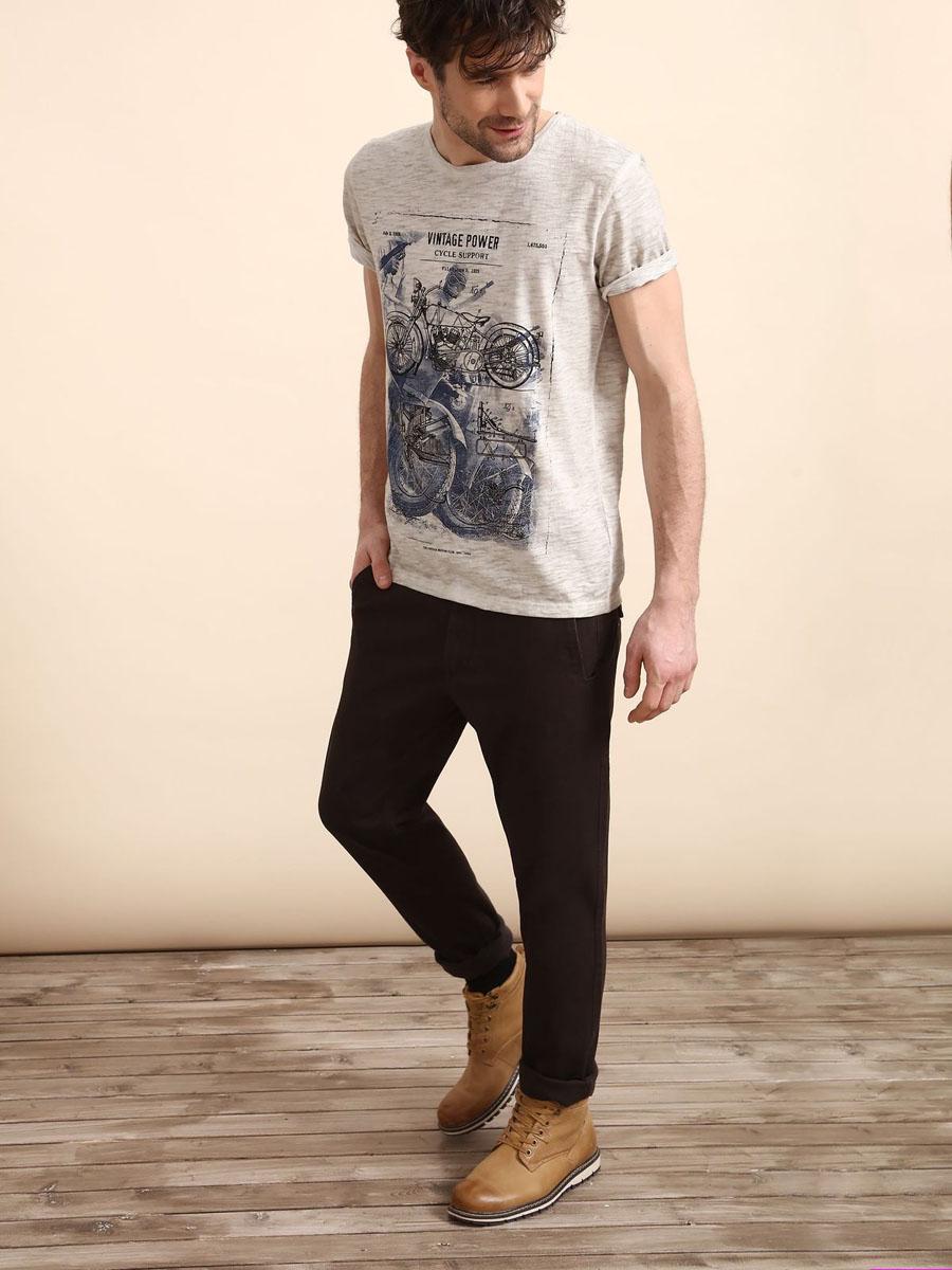 Брюки мужские Top Secret, цвет: коричневый. SSP2408BR36[E]. Размер 36 (52)SSP2408BRСтильные мужские брюки Top Secret - брюки высочайшего качества на каждый день, которые прекрасно сидят. Модель изготовлена из высококачественного хлопка и эластана. Эти модные и в тоже время комфортные брюки послужат отличным дополнением к вашему гардеробу. В них вы всегда будете чувствовать себя уютно и комфортно.