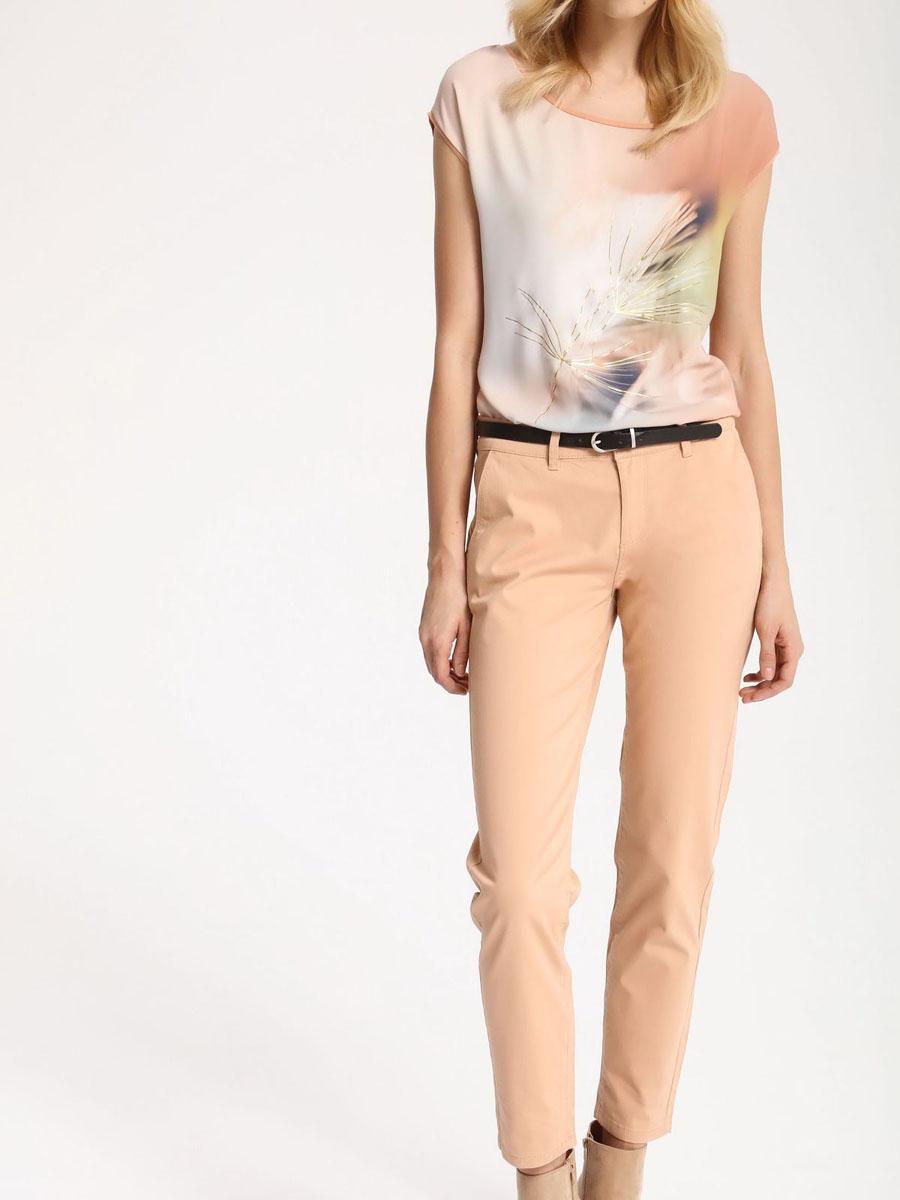 БрюкиSSP2445ROСтильные женские брюки Top Secret - брюки высочайшего качества на каждый день, которые прекрасно сидят. Модель изготовлена из высококачественного комбинированного материала. Эти модные и в тоже время комфортные брюки послужат отличным дополнением к вашему гардеробу. В них вы всегда будете чувствовать себя уютно и комфортно.
