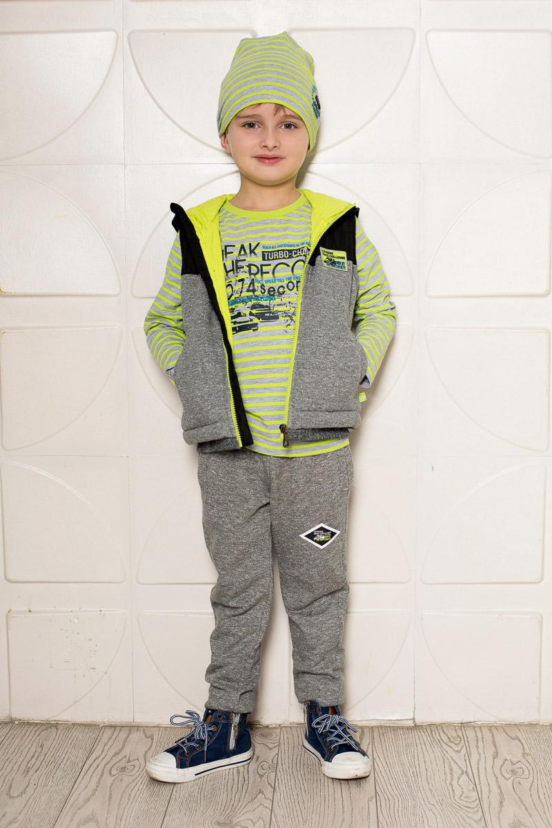Брюки спортивные713084Уютные брюки для мальчика Sweet Berry выполнены из качественного трикотажа в спортивном стиле. Брюки прямого кроя и стандартной посадки на талии имеют пояс на резинке, дополнительно регулируемый шнурком. Низ брючин оформлен мягкой трикотажной резинкой контрастного цвета. Изделие дополнено двумя прорезными карманами по бокам спереди и накладным карманом сзади.