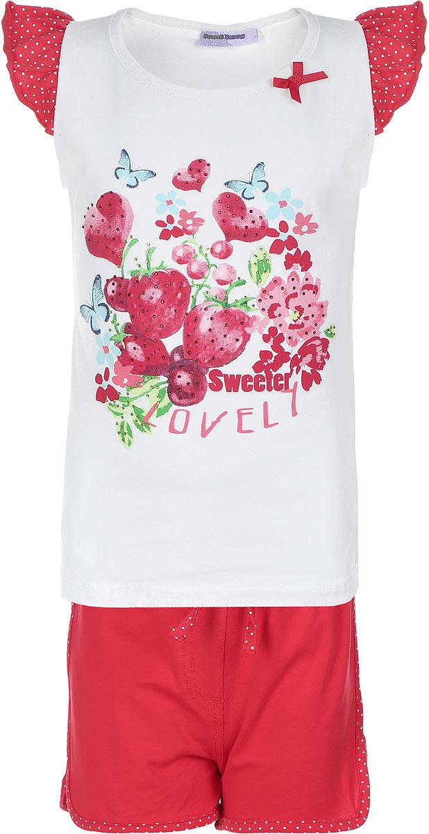 Комплект для девочки Sweet Berry: футболка, шорты, цвет: белый, красный, зеленый, голубой. 714154. Размер 98, 3 года714154Комплект из футболки и шорт Sweet Berry изготовлен из эластичного хлопка. Футболка оформлена рукавами-крылышками в складочку и принтом изображающим луг, украшена стразами и маленьким текстильным бантиком, Шорты украшены крупным текстильным бантиком спереди посередине.