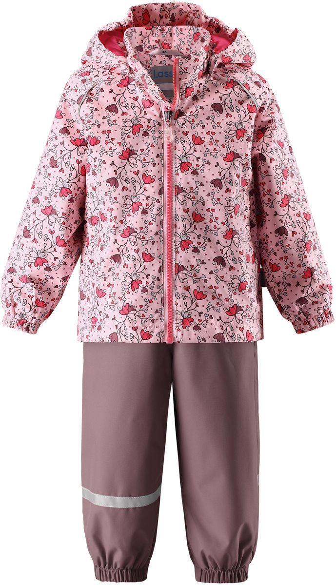 Комплект одежды детский Lassie: куртка, полукомбинезон, цвет: розовый, серо-коричневый. 7137024071. Размер 807137024071Детский демисезонный комплект, состоящий из куртки и полукомбинезона, идеально подойдет для активных маленьких путешественников и исследователей мира! Водоотталкивающему и ветронепроницаемому материалу не страшен небольшой дождик. Этот материал очень функциональный, и в то же время комфортный и дышащий. Полукомбинезон изготовлен из прочного материала и снабжен эластичными манжетами и съемными штрипками, чтобы не пустить внутрь холод и влагу. Благодаря регулируемым эластичным подтяжкам он удобно сидит точно по фигуре. Съемный капюшон защищает голову ребенка от пронизывающего ветра, к тому же он абсолютно безопасен: легко отстегнется, если вдруг за что-нибудь зацепится. Куртка снабжена множеством продуманных элементов, например, прорезными карманами и светоотражателями.
