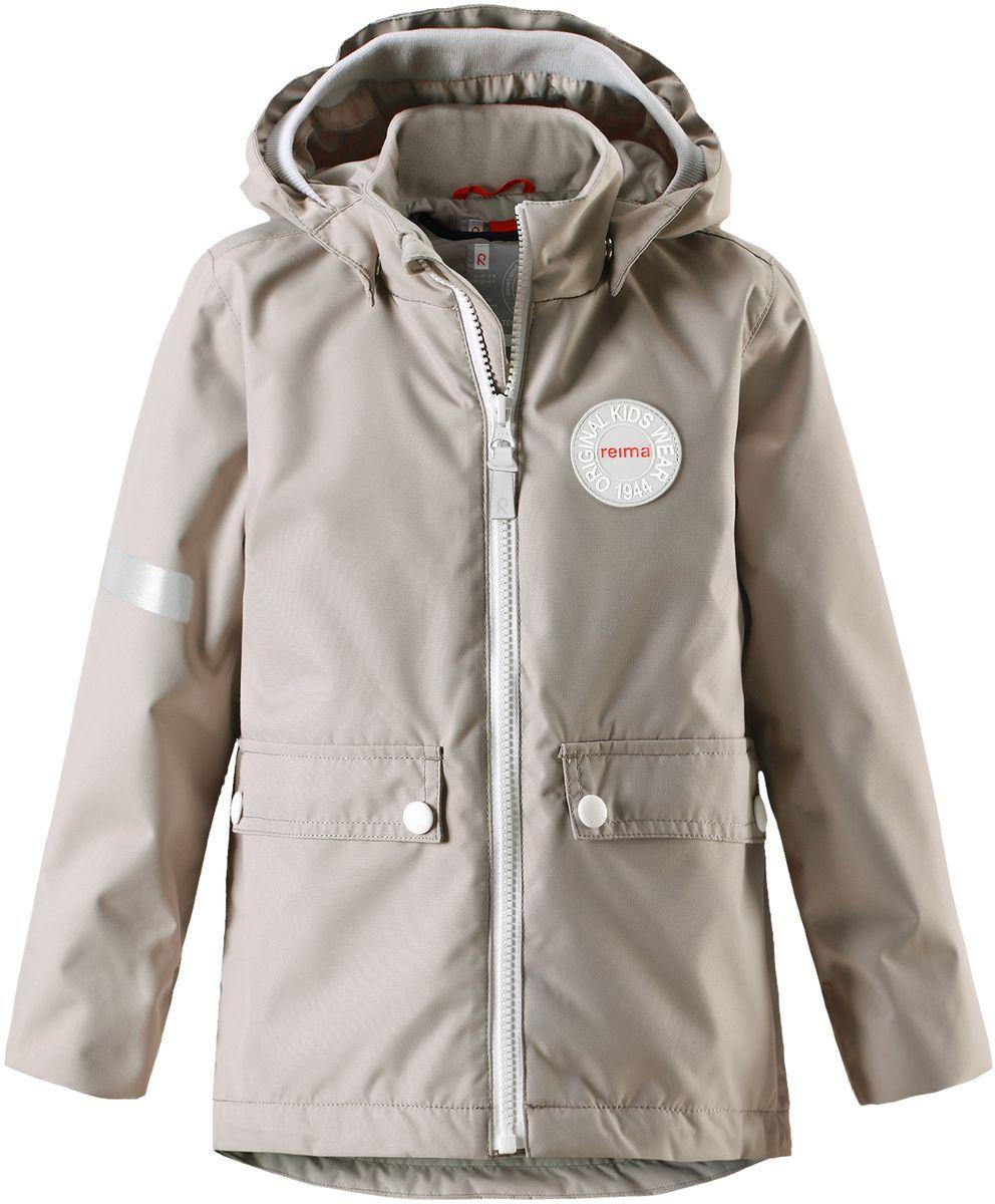 Куртка детская Reima Taag, цвет: серый. 5214810740. Размер 1405214810740В детской демисезонной куртке от Reima дождь не страшен: все основные швы проклеены, водонепроницаемы. Благодаря съемной стеганой жилетке эта куртка идеально подойдет для ранних весенних дней, ведь на улице все еще может быть холодно. А когда потеплеет, она легко превращается в облегченную модель. Большие карманы с клапанами и светоотражающие детали выполнены в ретро-стиле 70-х.