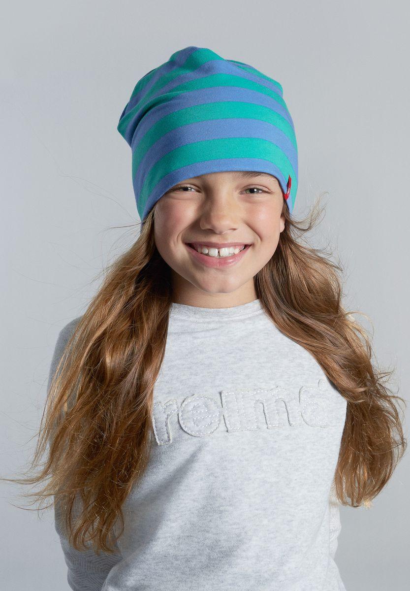 Шапка детская Reima Frappe, цвет: зеленый, голубой. 528515-8804. Размер 50/52528515-8804Легкая шапка для малышей яркой расцветки с УФ-защитой 40+. Шапка изготовлена из дышащего и быстросохнущего материла Play Jersey, эффективно выводящего влагу с кожи. Двусторонняя шапка в одно мгновение превращается из разноцветной в однотонную!