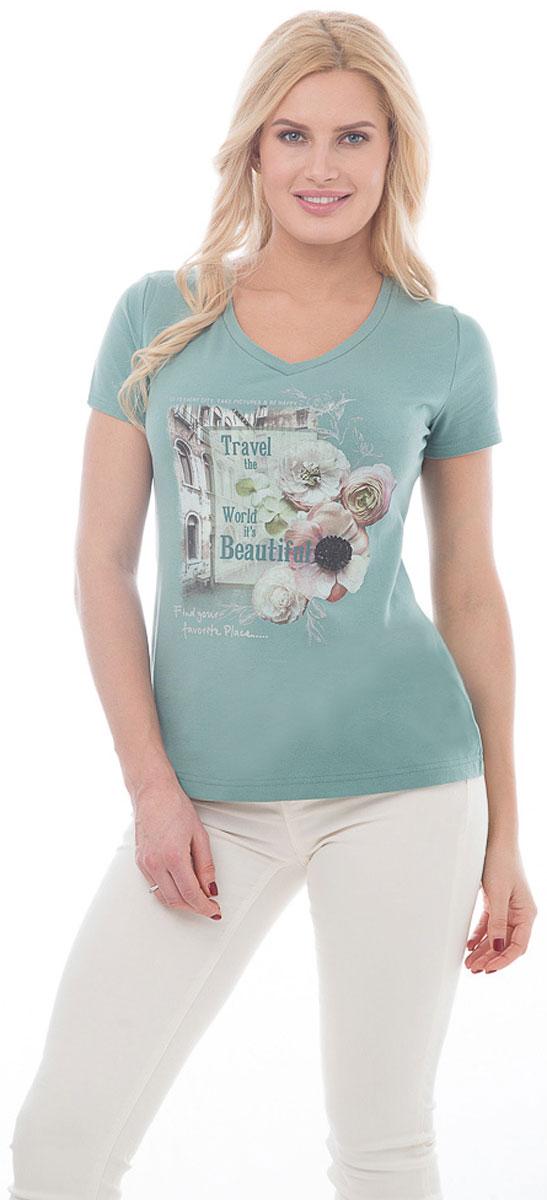 ФутболкаBGUZ-966Женская футболка BeGood изготовлена из высококачественного эластичного хлопка. Модель с короткими рукавами и V-образным вырезом горловины спереди украшена принтом с изображением цветов и надписей на фоне городского пейзажа. Такая футболка великолепно дополнит летний гардероб и поможет вам создать современный динамичный образ.