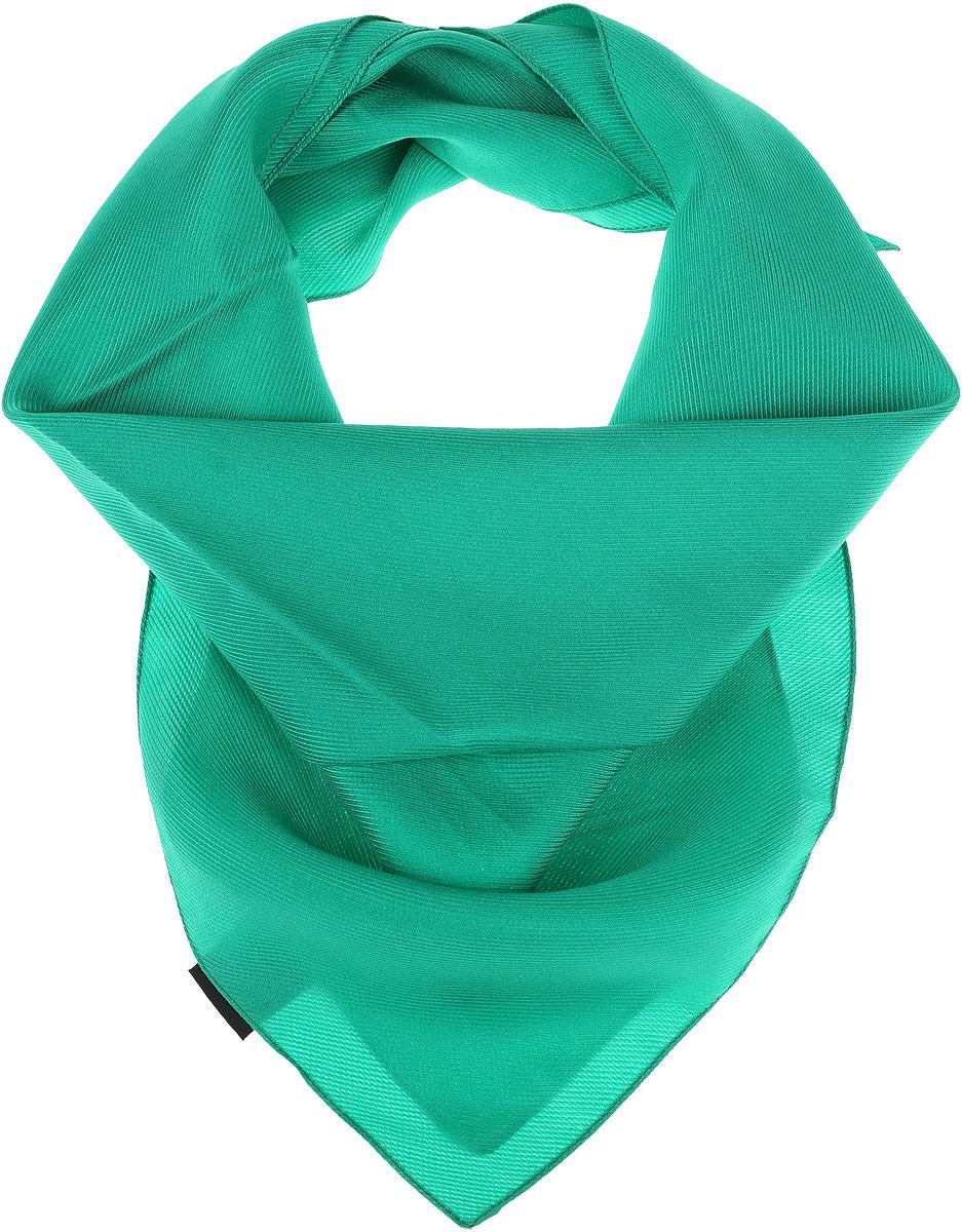 Платок5601052-1Шелковый женский платок от итальянской фирмы Venera имеет текстурную поверхность. Изготовлен из 100% шелка, произведен в Италии. Изделие высокого качества станет утонченным аксессуаром и ярким акцентом в вашем стиле.