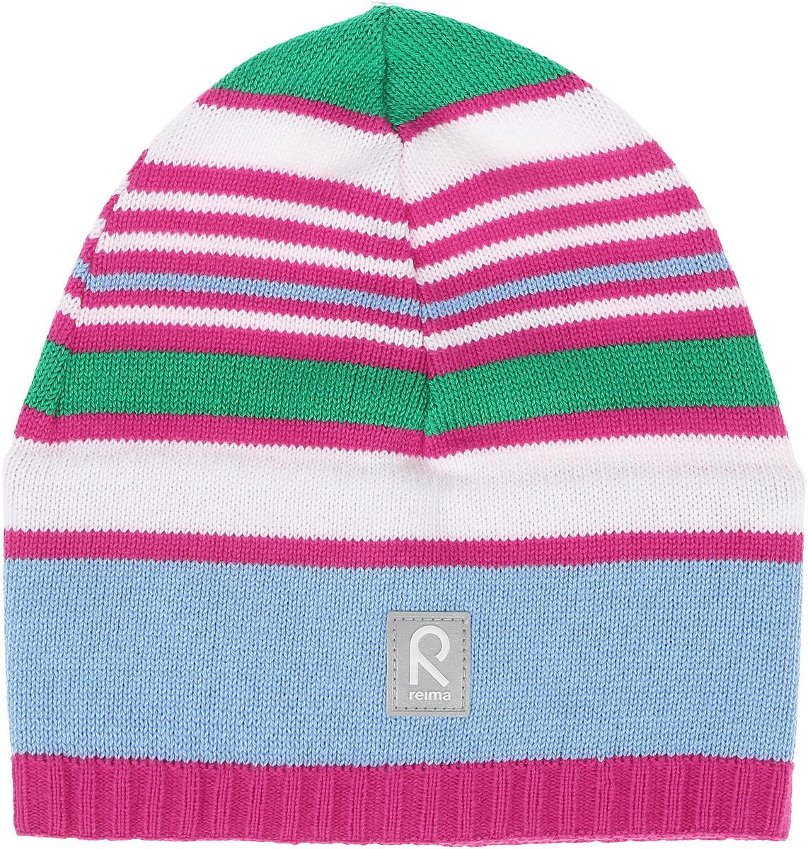 Шапка детская Reima Datoline, цвет: розовый, голубой, белый. 528510462A. Размер 50528510462AУдобная трикотажная шапка из хлопка подойдет на все случаи жизни. Полуподкладка из хлопчатобумажного трикотажа гарантирует тепло, а ветронепроницаемые вставки между верхним слоем и подкладкой защищают уши. Светоотражающая эмблема спереди позволяет лучше разглядеть ребенка после захода солнца.