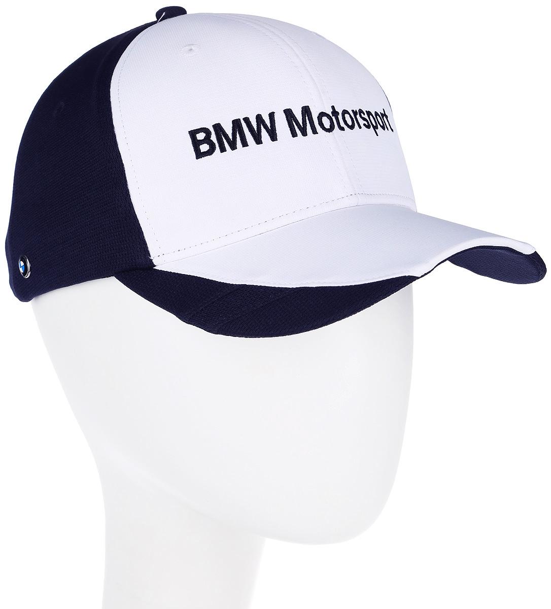 Бейсболка Puma BMW MTS sharknose cap, цвет: белый, синий. 021164_01. Размер универсальный021164_01Бейсболка BMW MTS sharknose cap с изогнутым козырьком изготовлена из практичного и износостойкого полиэстера и оснащена хлопковой тесьмой для впитывания излишков влаги. Вентиляция обеспечивается специальными вышитыми люверсами на всей поверхности бейсболки и сетчатыми вставками сзади. Внутренняя часть козырька также снабжена сетчатой вставкой. Отрегулировать размер можно с помощью тканевого ремешка с логотипом на задней части изделия. Модель дополнена вышивкой BMW Motorsport спереди, металлическим элементом с логотипом BMW справа, а также логотипом Puma сзади.