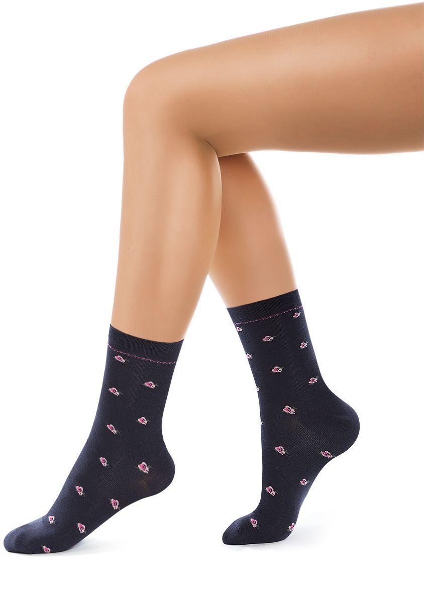 Носки женские Charmante, цвет: темно-синий. SCHK-1605. Размер 23 (35/37)SCHK-1605Женские носки Charmante с удлиненным паголенком изготовлены из высококачественного материалаобеспечивающего великолепную посадку. Удобная широкая резинка идеально облегает ногу и не пережимает сосуды, усиленные пятка и мысок повышают износоустойчивость носка.