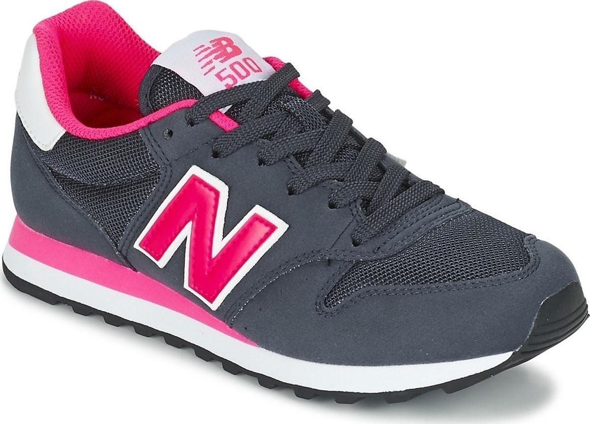 Кроссовки женские New Balance 500, цвет: темно-синий, малиновый. GW500NWP/B. Размер 8 (39)GW500NWP/BСтильные женские кроссовки от New Balance придутся вам по душе. Верх модели выполнен из высококачественных материалов. По бокам обувь оформлена декоративными элементами в виде фирменного логотипа бренда, на язычке - фирменной нашивкой. Классическая шнуровка надежно зафиксирует изделие на ноге. Мягкая верхняя часть и подкладка, изготовленная из текстиля, гарантируют уют и предотвращают натирание. Стелька из текстиля обеспечивает комфорт. Подошва оснащена рифлением для лучшей сцепки с поверхностями. Удобные кроссовки займут достойное место среди коллекции вашей обуви.