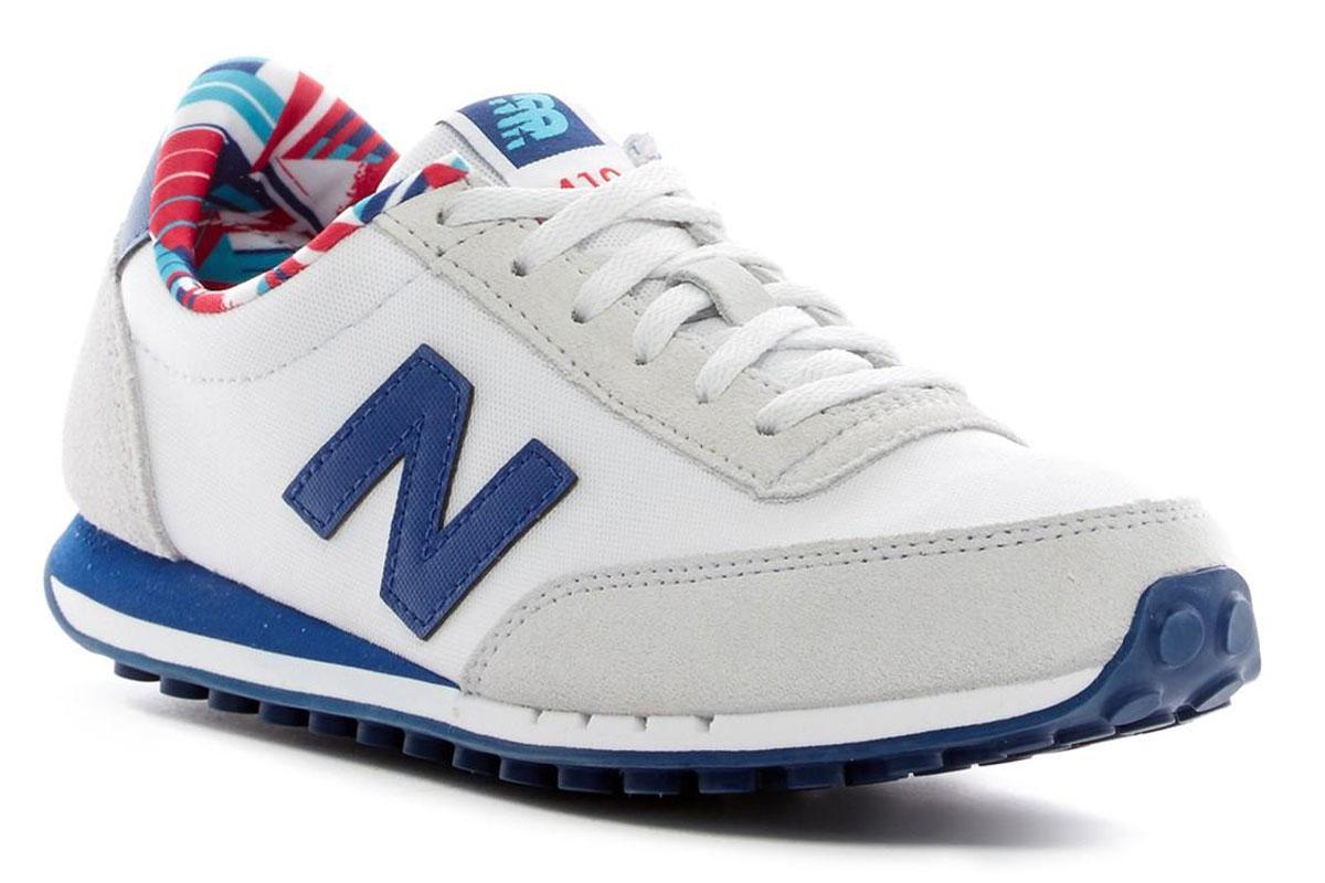 Кроссовки женские New Balance 410, цвет: белый, синий. WL410CPD/B. Размер 7 (37,5)WL410CPD/BСтильные женские кроссовки от New Balance придутся вам по душе. Верх модели выполнен из высококачественных материалов. По бокам обувь оформлена декоративными элементами в виде фирменного логотипа бренда, на язычке - фирменной нашивкой. Классическая шнуровка надежно зафиксирует изделие на ноге. Мягкая верхняя часть и подкладка, изготовленная из текстиля, гарантируют уют и предотвращают натирание. Стелька из текстиля обеспечивает комфорт. Подошва оснащена рифлением для лучшей сцепки с поверхностями. Удобные кроссовки займут достойное место среди коллекции вашей обуви.