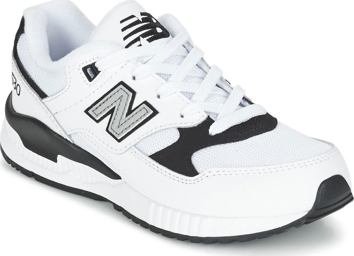 Кроссовки для мальчиков New Balance, цвет: белый, серый. KL530LBP/M. Размер 2,5 (34,5)KL530LBP/MМодные кроссовки от New Balance очаруют вашего ребенка с первого взгляда! Модель изготовлена из текстиля и искусственной кожи. Модель дополнена, на язычке фирменной нашивкой. По бокам обувь оформлена декоративными нашивками в виде логотипа бренда. Классическая шнуровка надежно зафиксирует обувь на ноге. Подкладка из текстиля, обеспечит комфорт и уют детским ножкам. Подошва с рифлением гарантирует отличное сцепление с любыми поверхностями. Стильные кроссовки займут достойное место в гардеробе вашего ребенка.