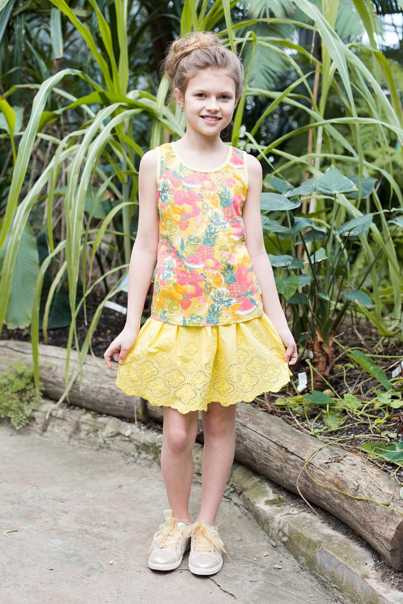 Майка для девочки Luminoso, цвет: желтый, красный. 718081. Размер 158718081Майка-топ из принтованной ткани приталенного кроя для девочки.