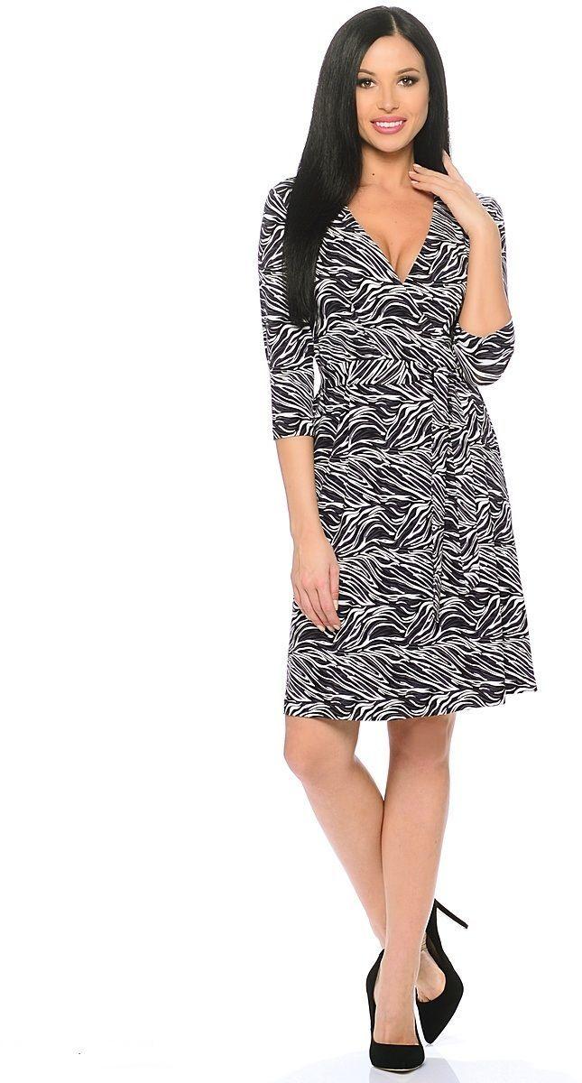 ПлатьеWD-2611FТрикотажное платье полуприлегающего силуэта, отрезное по талии, с имитацией запАха, со съемным поясом. У талии по юбке и лифу -мягкие складки, рукава втачные, длиной 3/4.