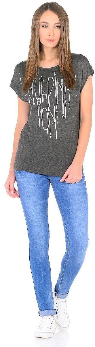 ФутболкаWP-1701CВискозная футболка прямого покроя, без рукавов, со спущенной линией плеча. Но переду - принт со стразами.