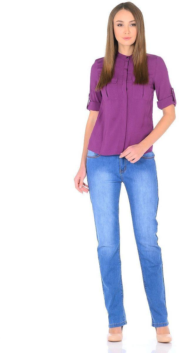 ДжинсыWZ-1754CСтильные женские джинсы Milton выполнены из хлопка с добавлением полиэстера и спандекса. Материал мягкий на ощупь, не сковывает движения и позволяет коже дышать. На поясе предусмотрены шлевки для ремня. Джинсы со средней посадкой застегиваются на пуговицу в поясе и ширинку на застежке-молнии.