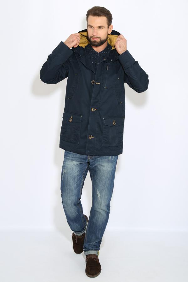 КурткаB17-22008_101Куртка мужская Finn Flare выполнена из натурального хлопка. Модель с капюшоном и длинными рукавами застегивается на пуговицы.