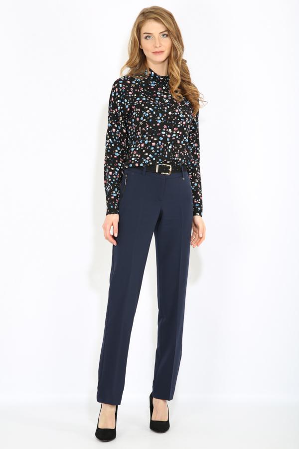 БлузкаB17-32014_201Стильная женская блузка Finn Flare выполнена из 100% вискозы. Блузка свободного кроя с длинными рукавами и отложным воротником. Изделие застегивается на пуговицы, манжеты рукавов также дополнены пуговицами. Оформлена модель оригинальным принтом.