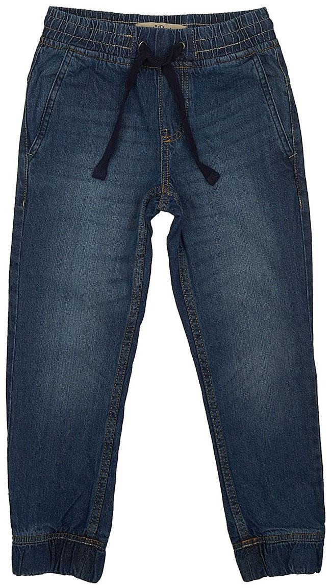 ДжинсыPJ-835/343-7243Стильные джинсы для мальчика Sela выполнены из натурального хлопка. Джинсы свободного кроя и стандартной посадки на талии имеют широкий пояс на мягкой резинке, дополнительно регулируемый шнурком. Модель дополнена двумя втачными карманами спереди и двумя накладными карманами сзади. Низ брючин собран на резинку.
