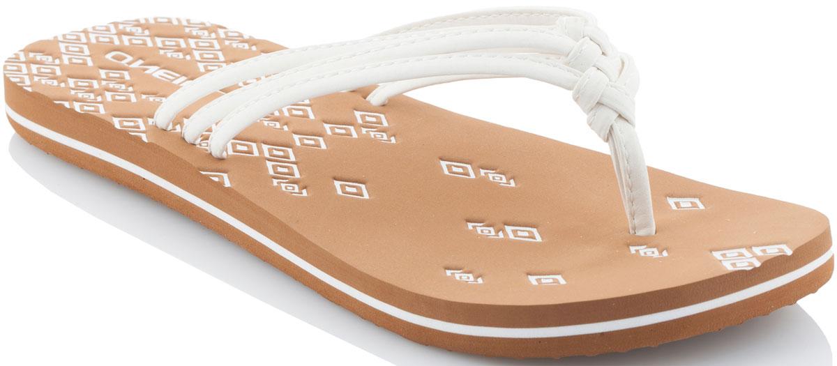 Сланцы7A9520-1030Прелестные сланцы от ONeill покорят вас с первого взгляда! Модель выполнена из качественного материала. Перемычка между пальцами отвечает за надежную фиксацию модели на ноге. Эффектные сланцы помогут вам создать яркий, запоминающийся образ.