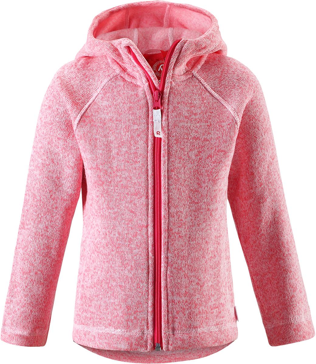 Толстовка флисовая детская Reima Pursi, цвет: розовый. 5262513360. Размер 1285262513360Детская флисовая толстовка Reima с капюшоном отличный вариант на прохладный день. Можно использовать как верхнюю одежду в сухую погоду весной и осенью или надевать в качестве промежуточного слоя в холода. Обратите внимание на удобную систему кнопок Play Layers, с помощью которой легко присоединить эту модель к одежде из серии Reima Play Layers и обеспечить ребенку дополнительное тепло и комфорт. Высококачественный флис - это теплый, легкий и быстросохнущий материал, он идеально подходит для активных прогулок. Удлиненная спинка обеспечивает дополнительную защиту для поясницы, а молния во всю длину с защитой для подбородка облегчает надевание.