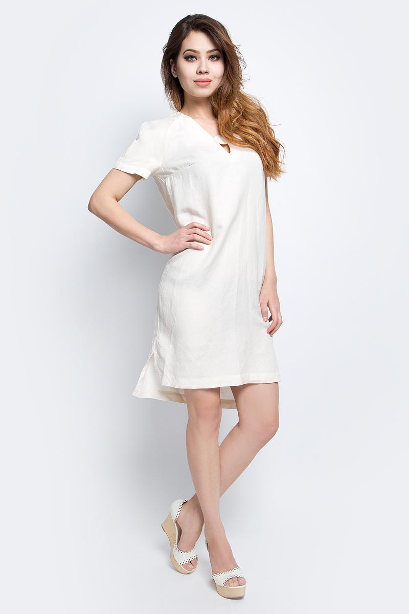 Платье Finn Flare, цвет: молочный. S17-11028_711. Размер L (48)S17-11028_711Платье Finn Flare выполнено из льна и хлопка. Модель с V-образным вырезом горловины и короткими рукавами.