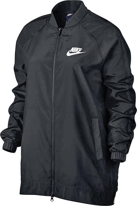 Куртка829725-010Женская куртка Nike Sportswear Advance 15 дополняет классический образ современными акцентами. Невесомый поплин, воротник в стиле школьной куртки и удлиненный силуэт бомбера создают элегантный вид. Поплин на основе 100% хлопка для легкости и комфорта. Удлиненный силуэт куртки-бомбера для современного вида. Воротник в стиле школьной куртки для свободы движений и стильного вида. Рукава покроя реглан не сковывают движений. Два кармана спереди для удобного хранения. Манжеты из рубчатой ткани для удобной посадки. Слева на груди нанесен принт с логотипом Nike.