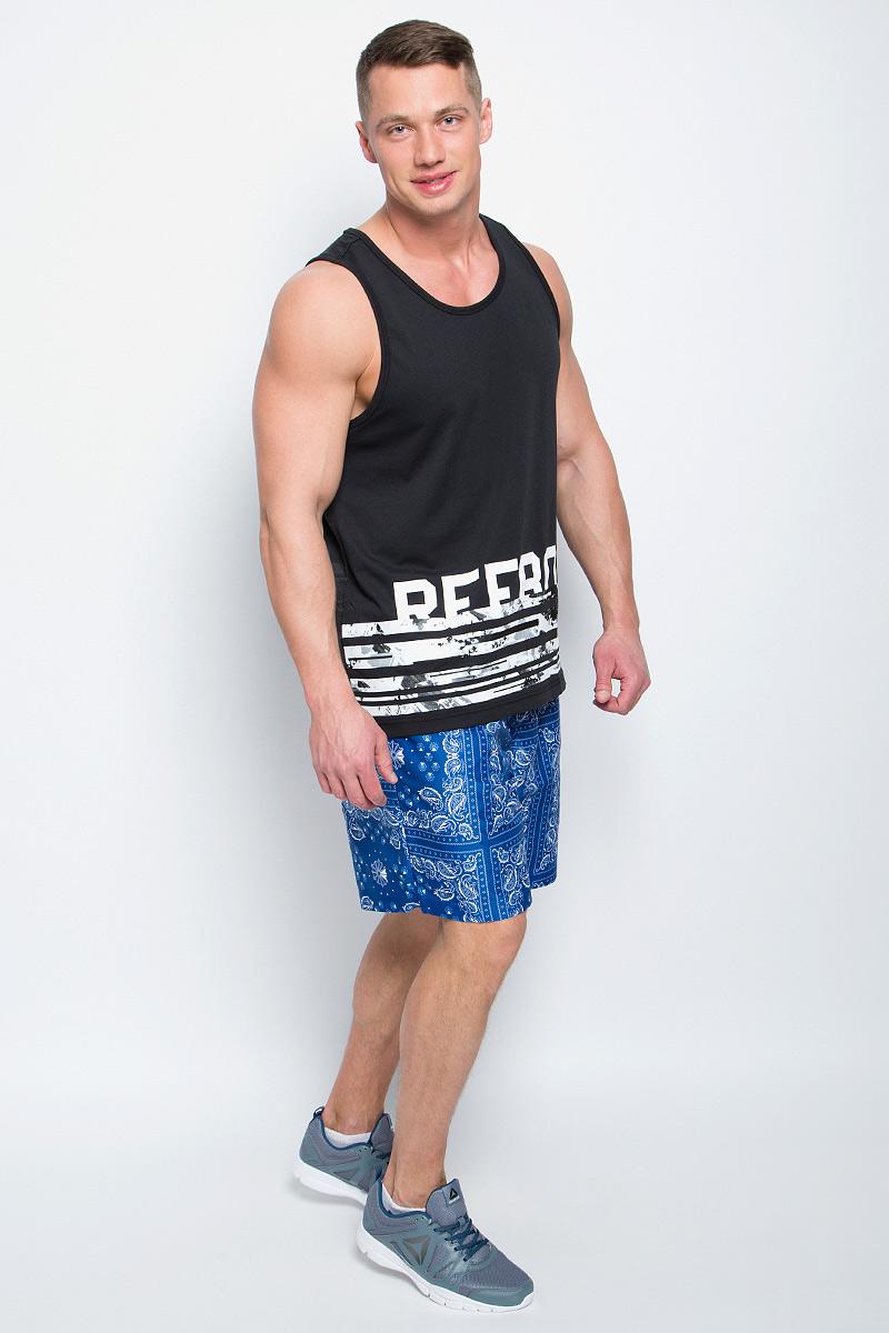 Шорты пляжные мужские Reebok F Bandana Print Board Sho, цвет: синий, белый. BP6412. Размер S (44/46)BP6412Пляжные мужские шорты Reebok F Bandana Print Board Sho с вшитыми сетчатыми трусами изготовлены из качественного полиэстера. На поясе модель дополнена эластичной резинкой и шнурком-утяжкой. По бокам имеются два врезных кармана, сзади - один накладной карман. Модель оформлена ярким оригинальным принтом.