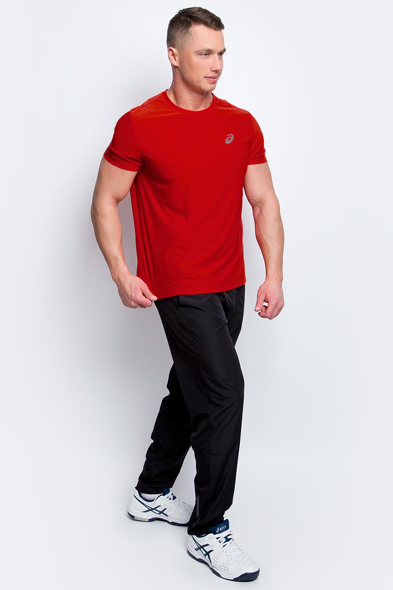 Футболка для бега мужская Asics SS Top, цвет: красный. 134084-0626. Размер M (48/50)134084-0626Стильная мужская футболка для бега Asics SS Top, выполненная из высококачественного полиэстера, обладает высокой воздухопроницаемостью и превосходно отводит влагу от тела, оставляя кожу сухой даже во время интенсивных тренировок. Такая футболка великолепно подойдет как для повседневной носки, так и для спортивных занятий.Модель с короткими рукавами и круглым вырезом горловины - идеальный вариант для создания модного современного образа. Футболка оформлена светоотражающим логотипом на груди и контрастной полоской на спинке. Такая футболка идеально подойдет для занятий спортом и бега. В ней вы всегда будете чувствовать себя уверенно и комфортно.