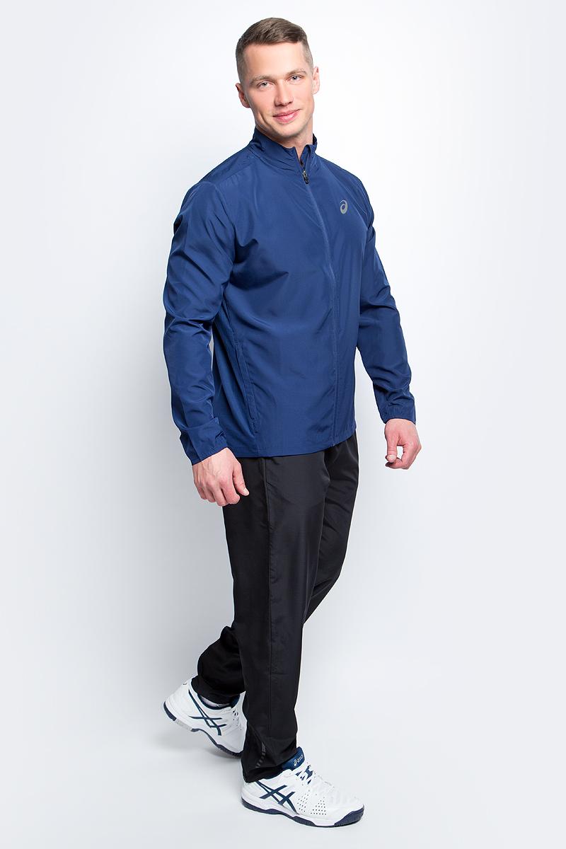 Ветровка134091-0904Стильная мужская ветровка для бега Asics Jacket с воротником-стойкой застегивается на застежку-молнию, дополненную защитой подбородка. Изделие защитит вас от ветра и поможет сконцентрироваться на тренировке. На спинке эластичная ткань обеспечивает свободу движений во время тренировки и превосходную терморегуляцию и воздухообмен. По бокам распложены прорезные карманы на застежках-молниях. Светоотражающие элементы не оставят вас незамеченными в темное время суток. В этой ветровке вы будете чувствовать себя уверенно и комфортно.