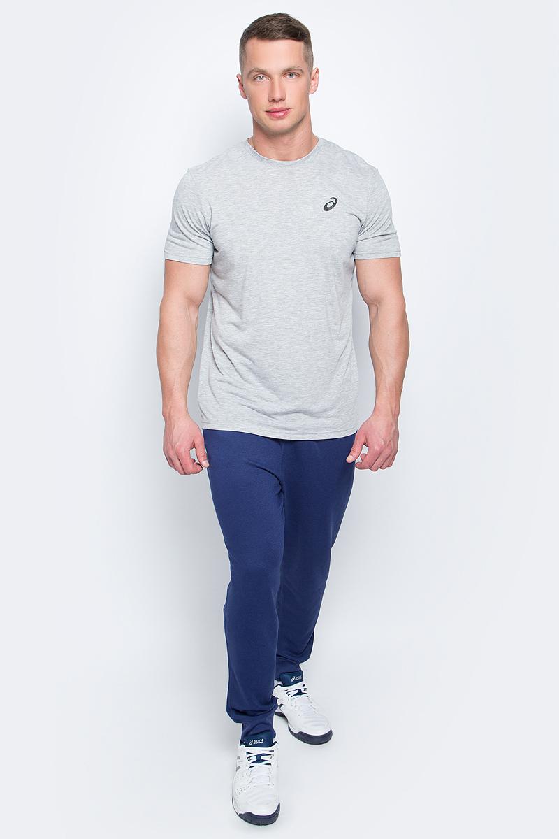 Брюки спортивные134795-0714Спортивные мужские брюки Asics Essentials Pant выполнены из полиэстера с добавлением вискозы. Комфортные плоские швы предотвращаются натирание. Модель имеет широкую резинку на поясе, объем талии регулируется при помощи шнурка-кулиски. Брюки дополнены двумя открытыми втачными карманами спереди и накладным карманом сзади. Брючины дополнены эластичными манжетами по низу.
