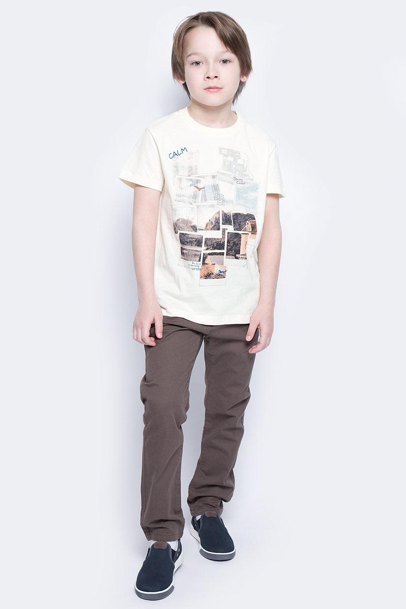 ФутболкаTs-811/1071-7213Стильная футболка для мальчика Sela изготовлена из натурального хлопка и оформлена оригинальным принтом. Воротник дополнен мягкой трикотажной резинкой. Яркий цвет модели позволяет создавать модные образы.