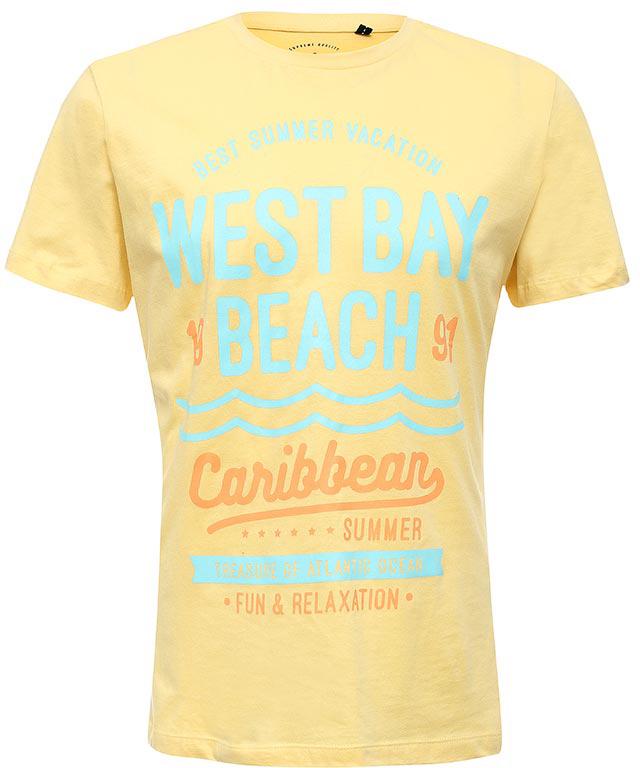 ФутболкаTs-211/1124-7214Стильная мужская футболка полуприлегающего силуэта Sela изготовлена из натурального хлопка и оформлена орининальным принтом с надписями. Воротник дополнен мягкой рикотажной резинкой. Яркий цвет модели позволяет создавать модные образы.