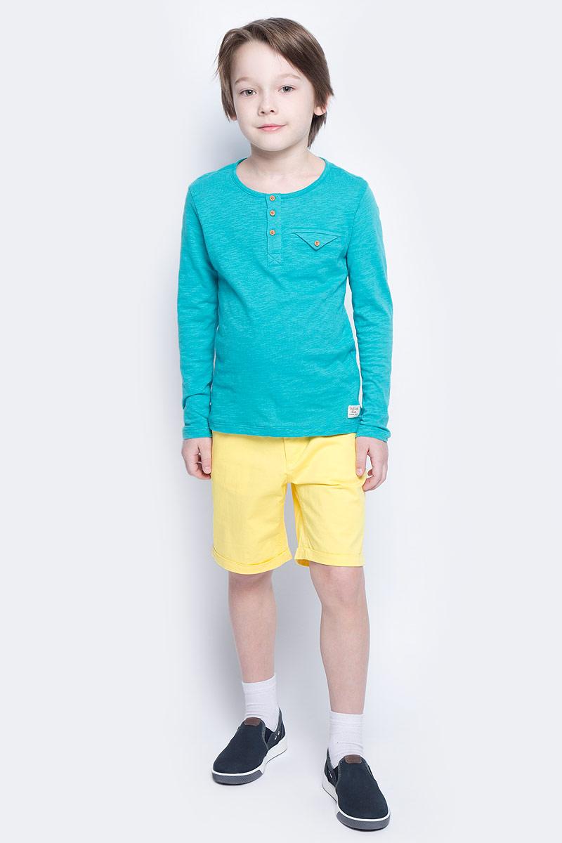 Шорты117BBBC60022800Яркие шорты - залог стильного образа для каждого дня лета. Отличные шорты из хлопка с эластаном гарантируют прекрасный внешний вид, комфорт и свободу движений. В компании с любой майкой, футболкой, рубашкой шорты составят достойный летний комплект. Если вы хотите купить недорогие детские шорты, не сомневаясь в их качестве, высоких потребительских свойствах и соответствии модным трендам, шорты для мальчика от Button Blue - лучший вариант!