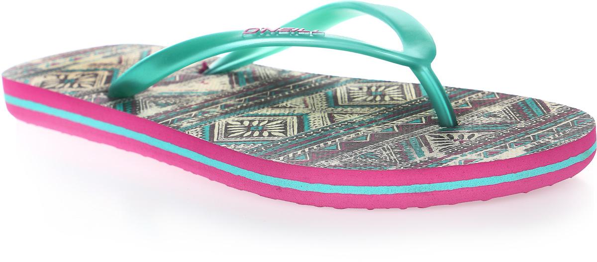 Сланцы женские ONeill Fw Print Flip Flop, цвет: зеленый. 7A8622-9960. Размер 39 (38)7A8622-9960Сланцы от ONeill незаменимы для пляжного сезона. Модель выполнена из качественного полимерного материала. Перемычка между пальцами отвечает за надежную фиксацию модели на ноге. Удобная подошва выполнена в ярких цветах. Эффектные сланцы помогут вам создать яркий, запоминающийся образ.