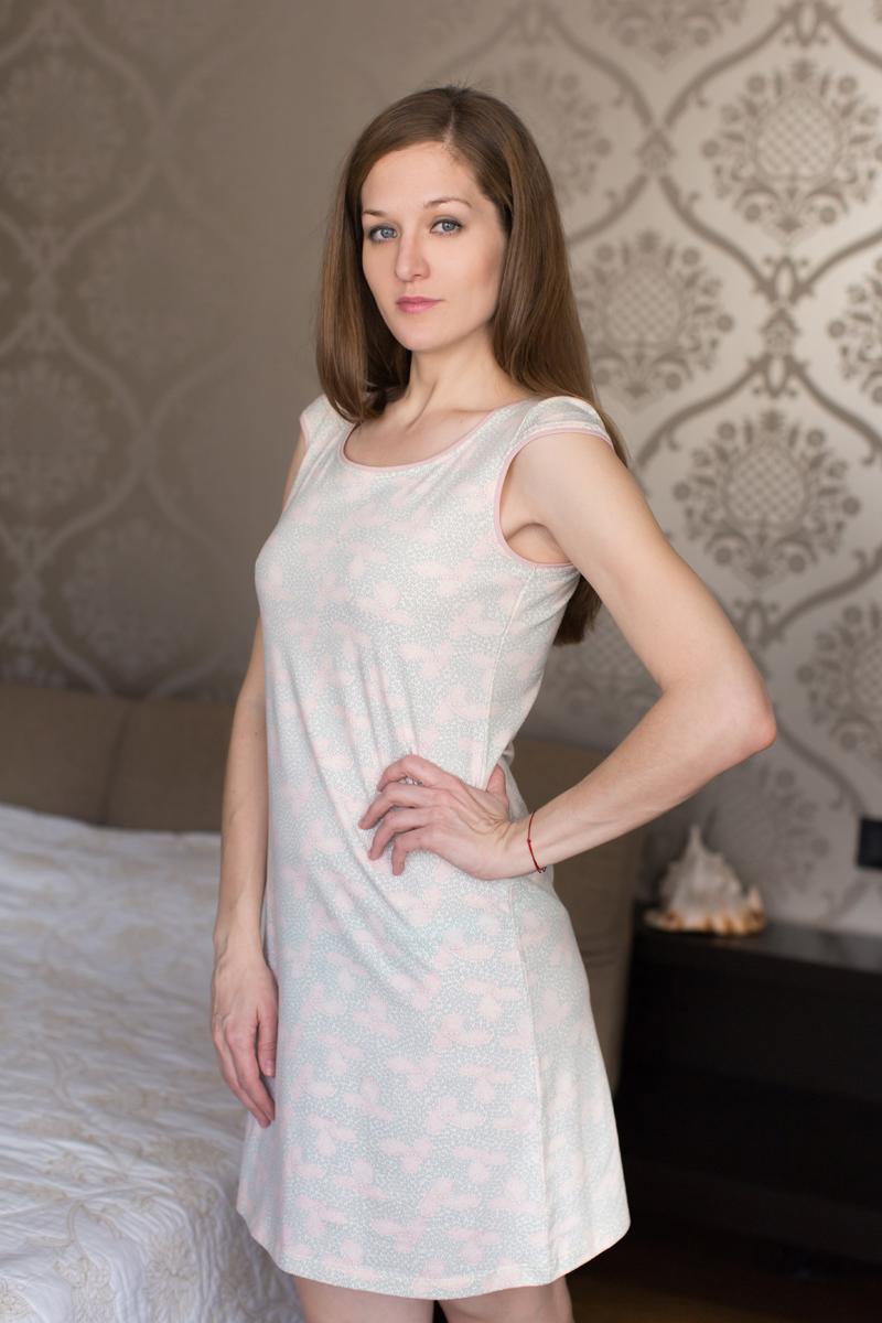 Платье домашнее Marusя, цвет: жемчужно-розовый. 160069. Размер L (48)160069Домашнее платье Marusя изготовлено из качественной смесовой ткани. Модель длины мини оформлена оригинальным рисунком. Платье с круглым вырезом горловины и короткими рукавами.